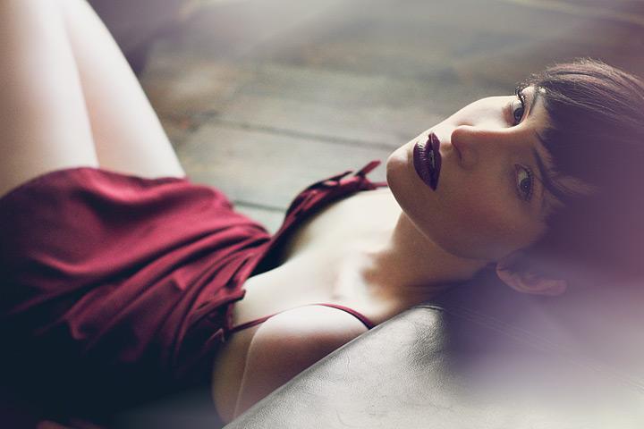 Photography by SIMON CRINKS, Designer : ZARA HALL